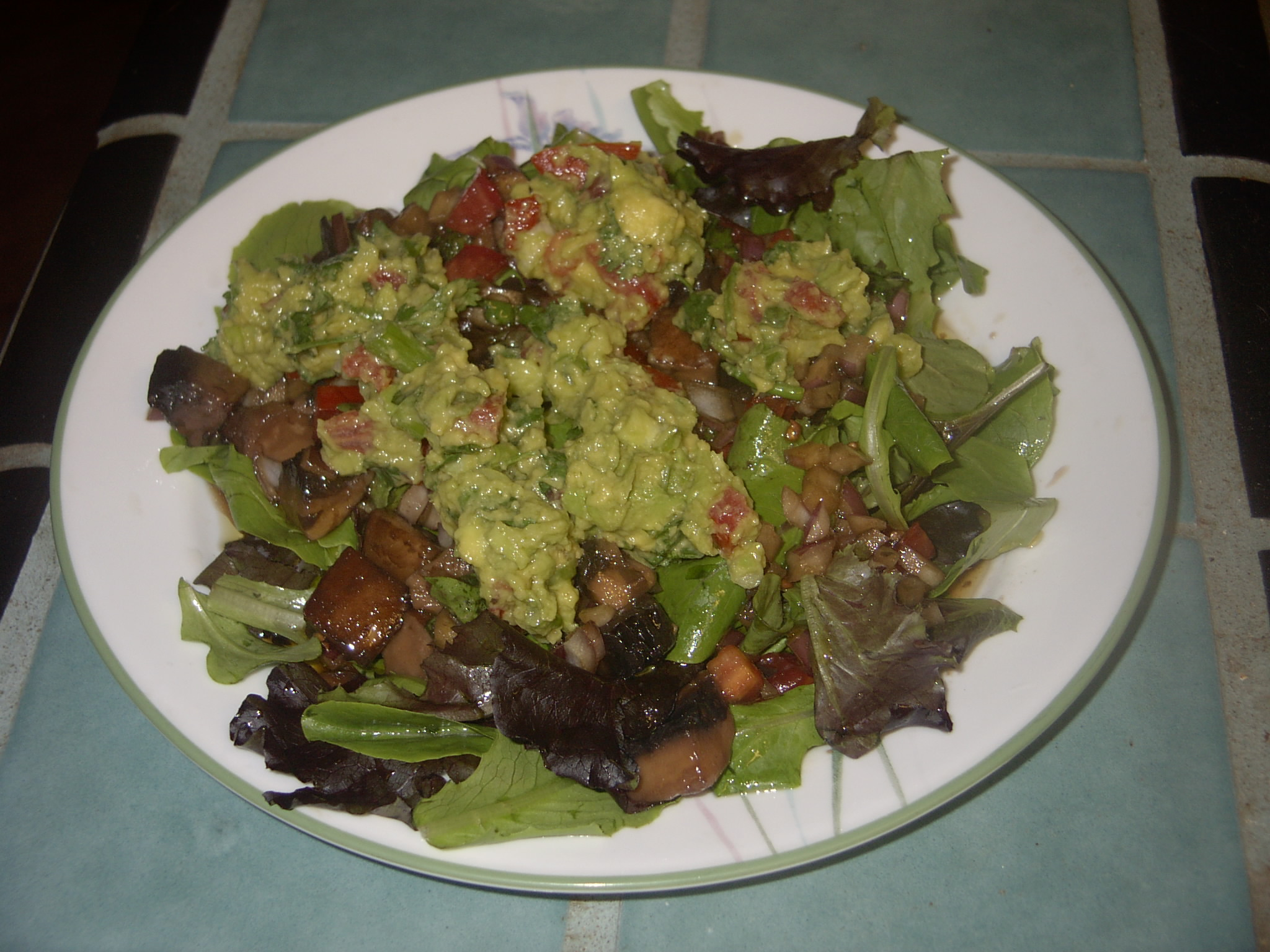 Mixed Baby Greens with Marinated Portobello Mushrooms & Guacamole... YUM!!